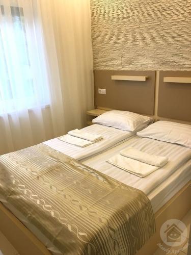 mosoly-szallashely-3-201-szoba-2