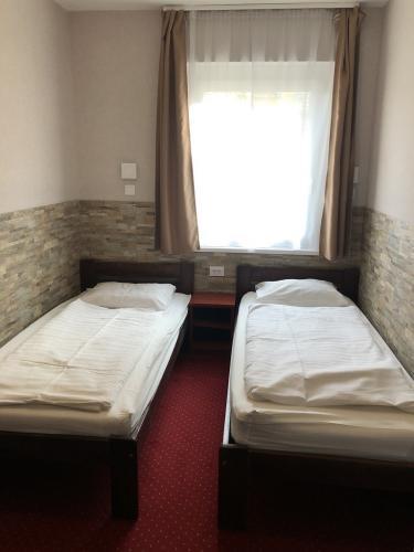 mosoly-szallashely-2-202-szoba