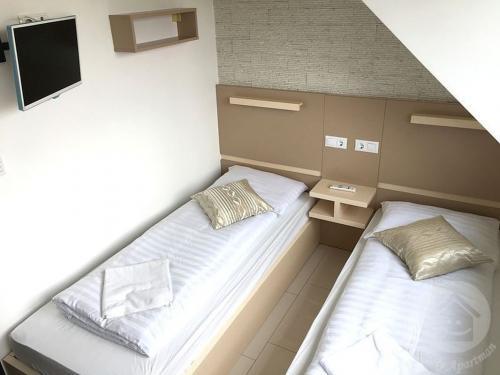 mosoly-szallashely-3-301-szoba-4